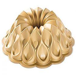 Crown Bundt pan